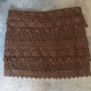 Lace skirt with zipper back
